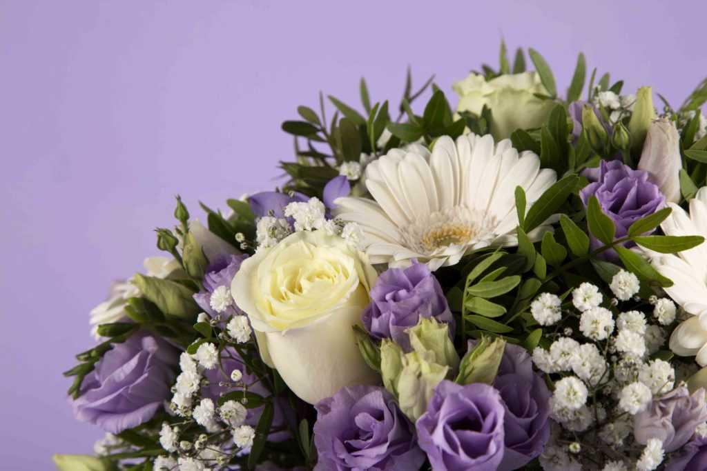 Bouquet de deuil aux teintes douces - Améthyste - zoom1